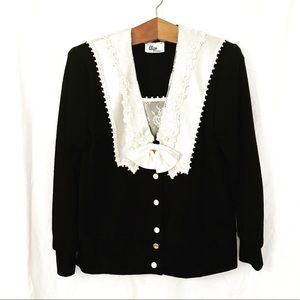 Vintage cardigan with Peter Pan lace collar